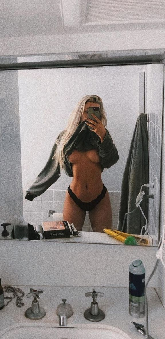 Tana Mongeau Topless (2 Photos)