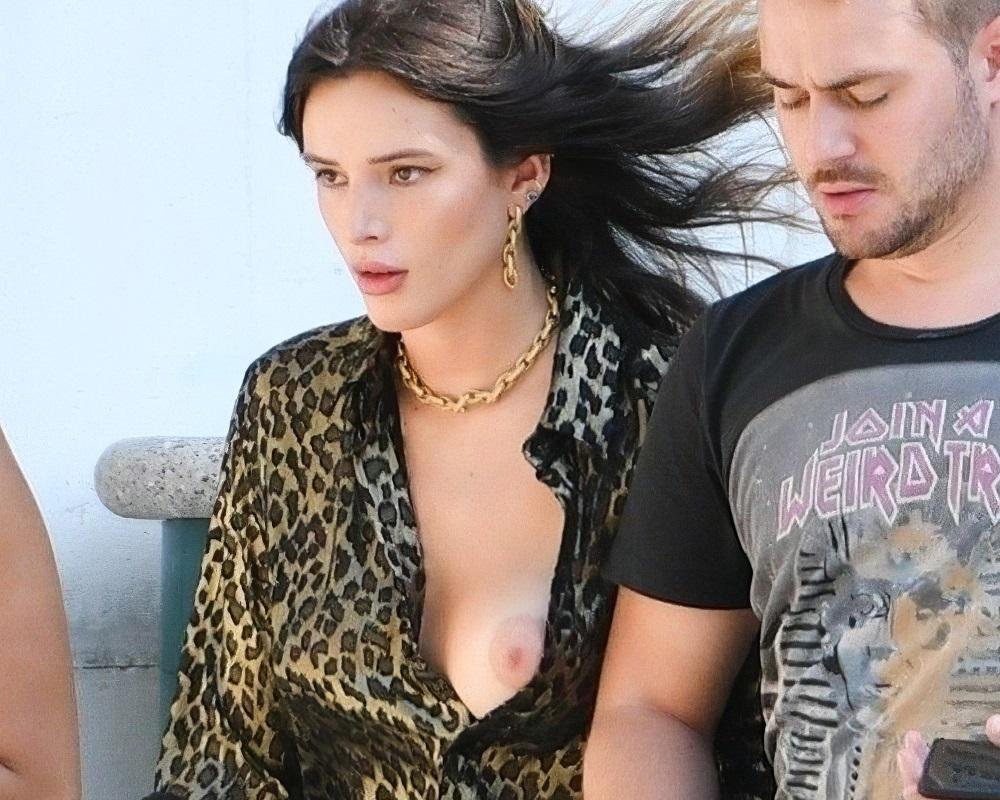 Bella Thorne nude tit