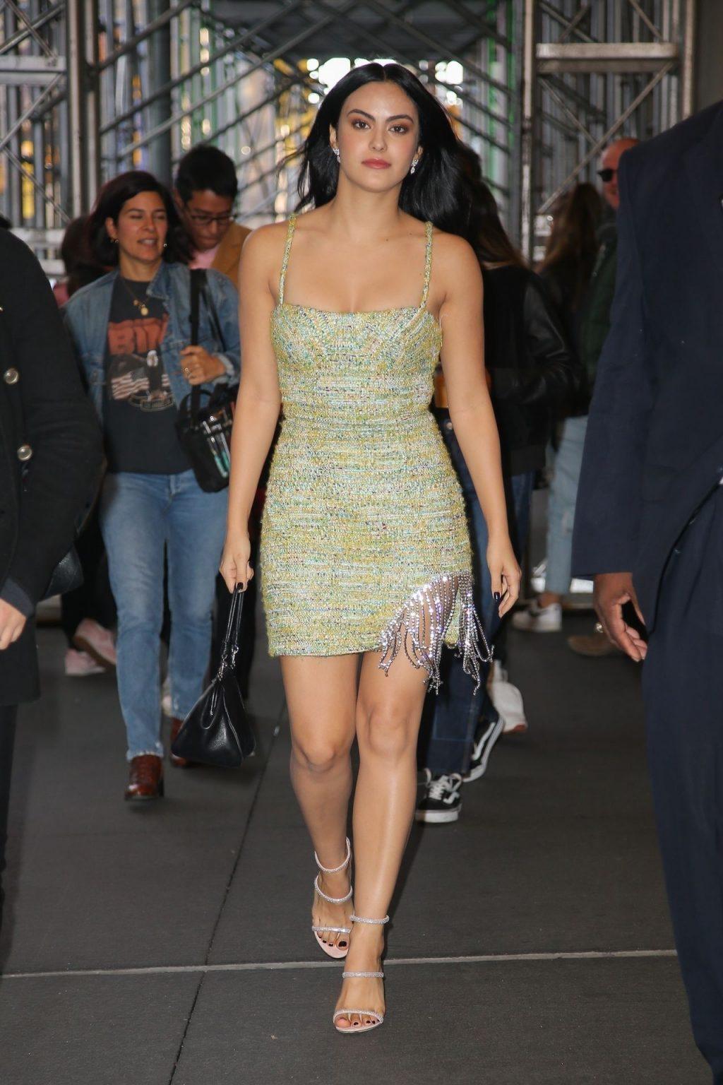 Camila Mendes Hot
