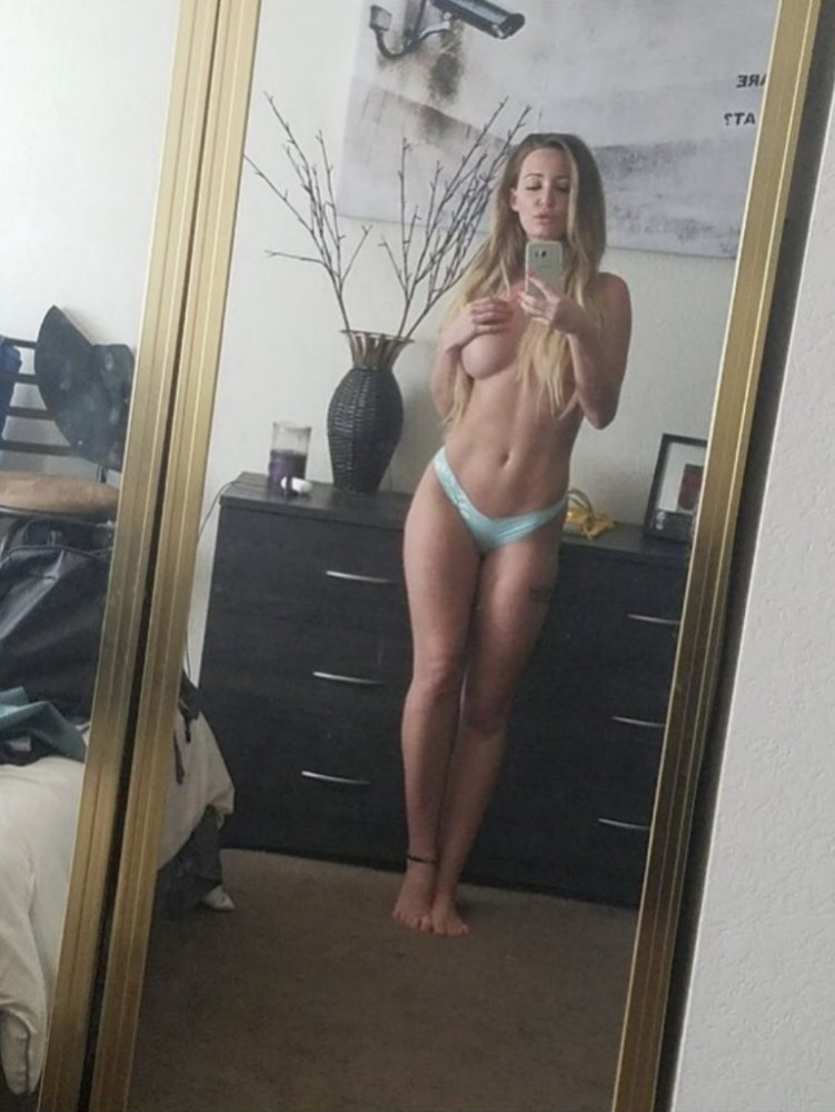 Ashley Mitchell Leaked (2 Photos)