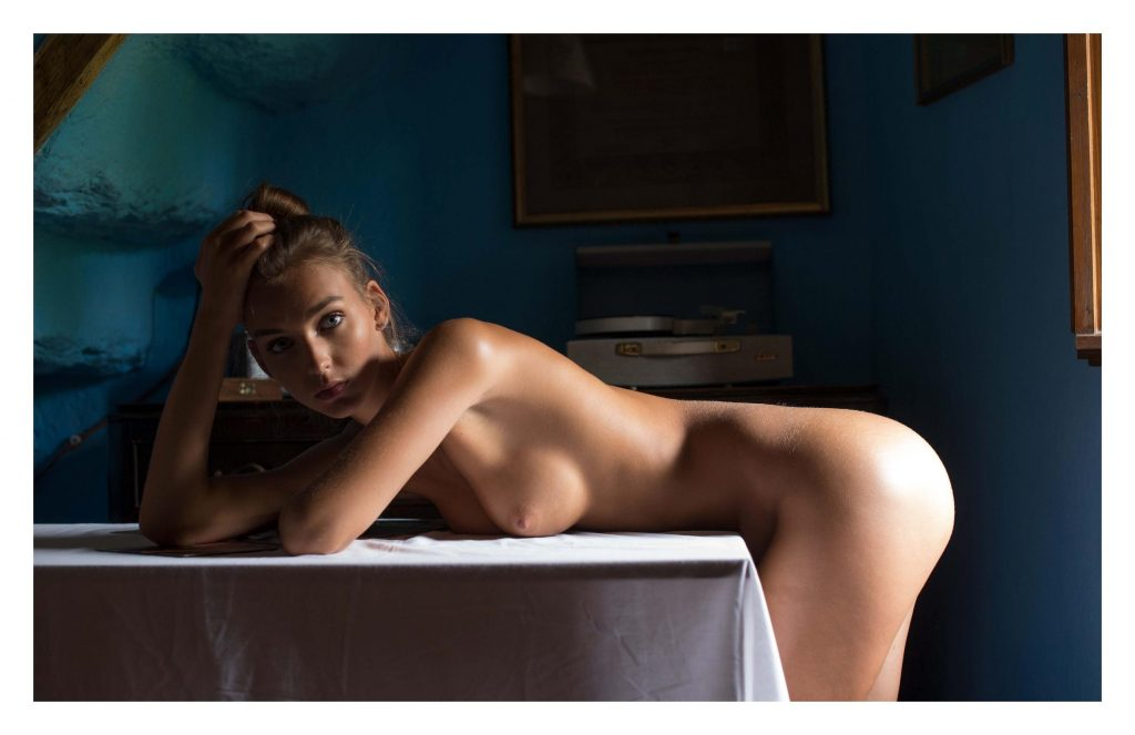 Rachel Cook Nude (5 Photos)