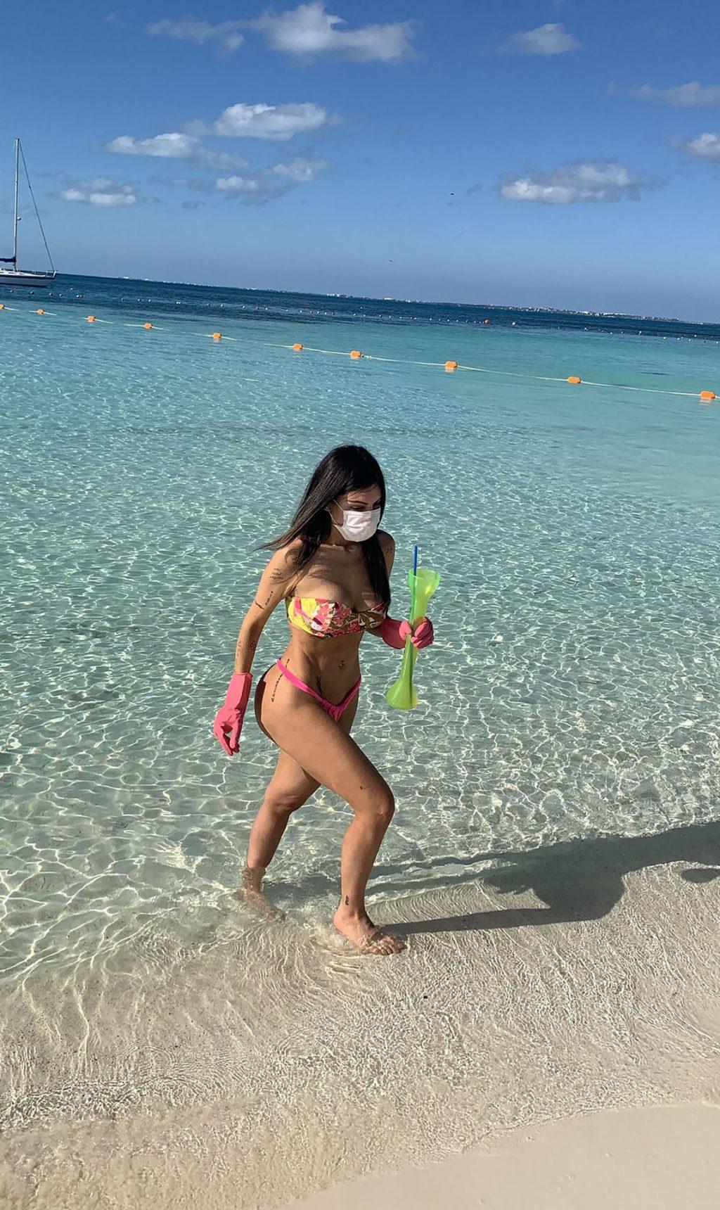Liziane Gutierrez Bikini