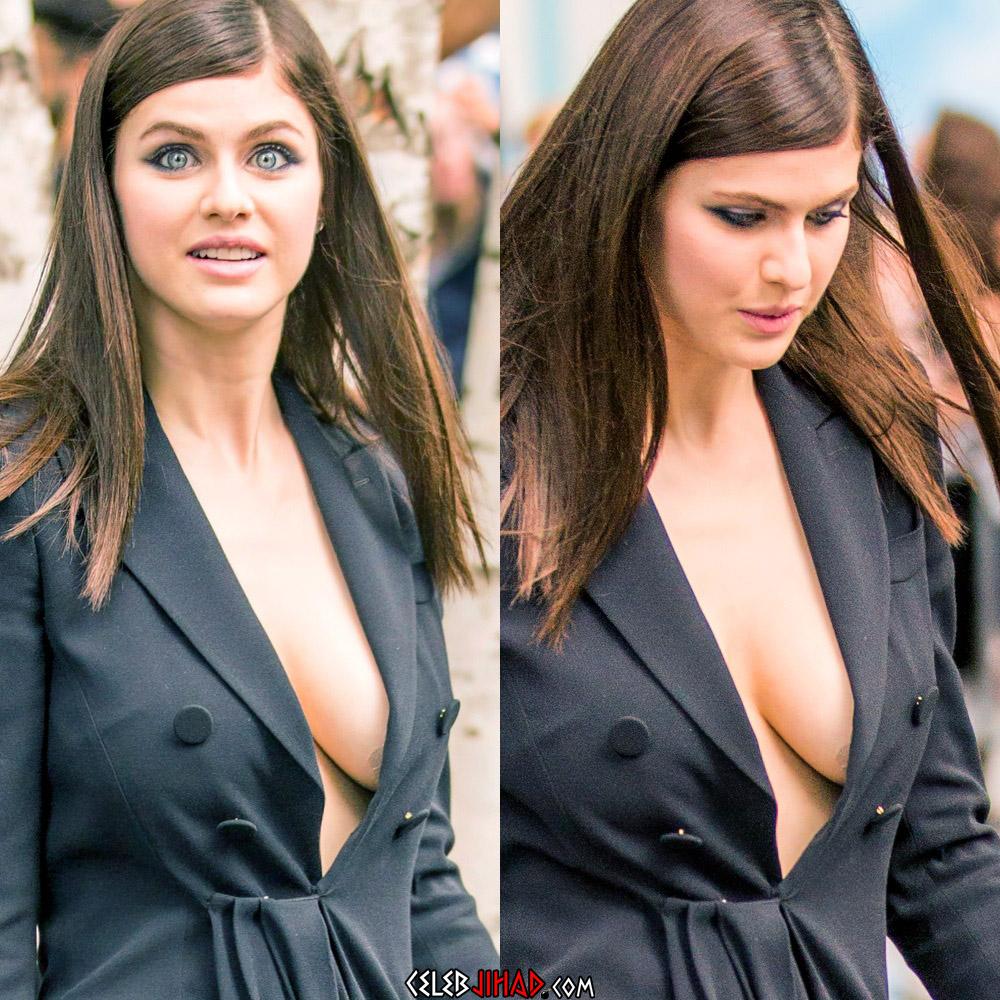 Alexandra Daddario side boob