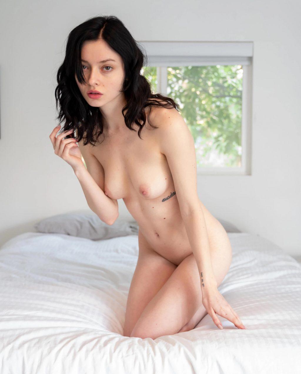 Alina Lee Naked (5 Photos)