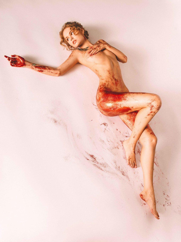 Anastasiya Scheglova Nude (4 Photos)
