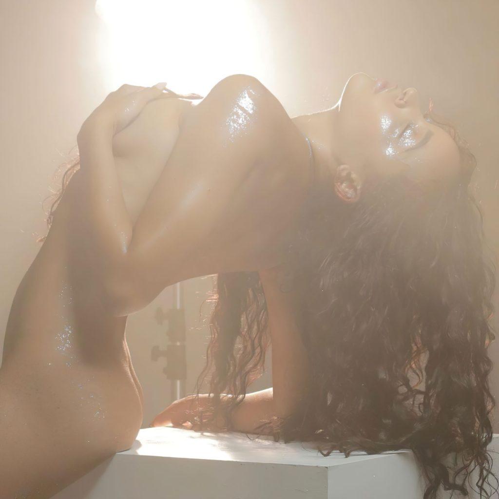 Tinashe Naked (1 Photo)