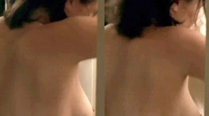 Elizabeth Olsen Topless Side Boob And Nipple In A Dressing Room