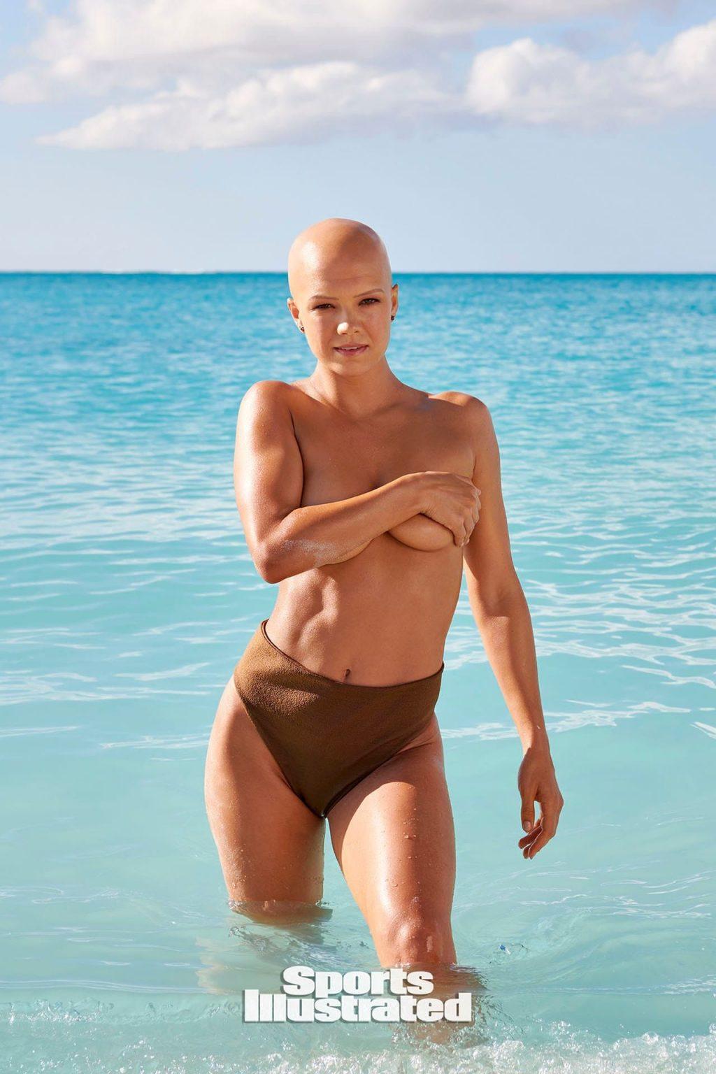 Christie Valdiserri Topless (5 Photos)