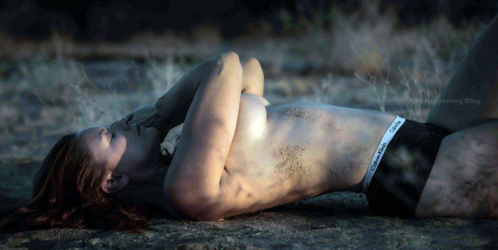 Carrie Keagan Topless