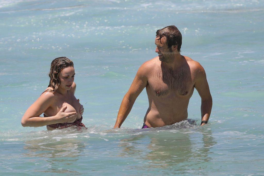 Abbie Chatfield Topless