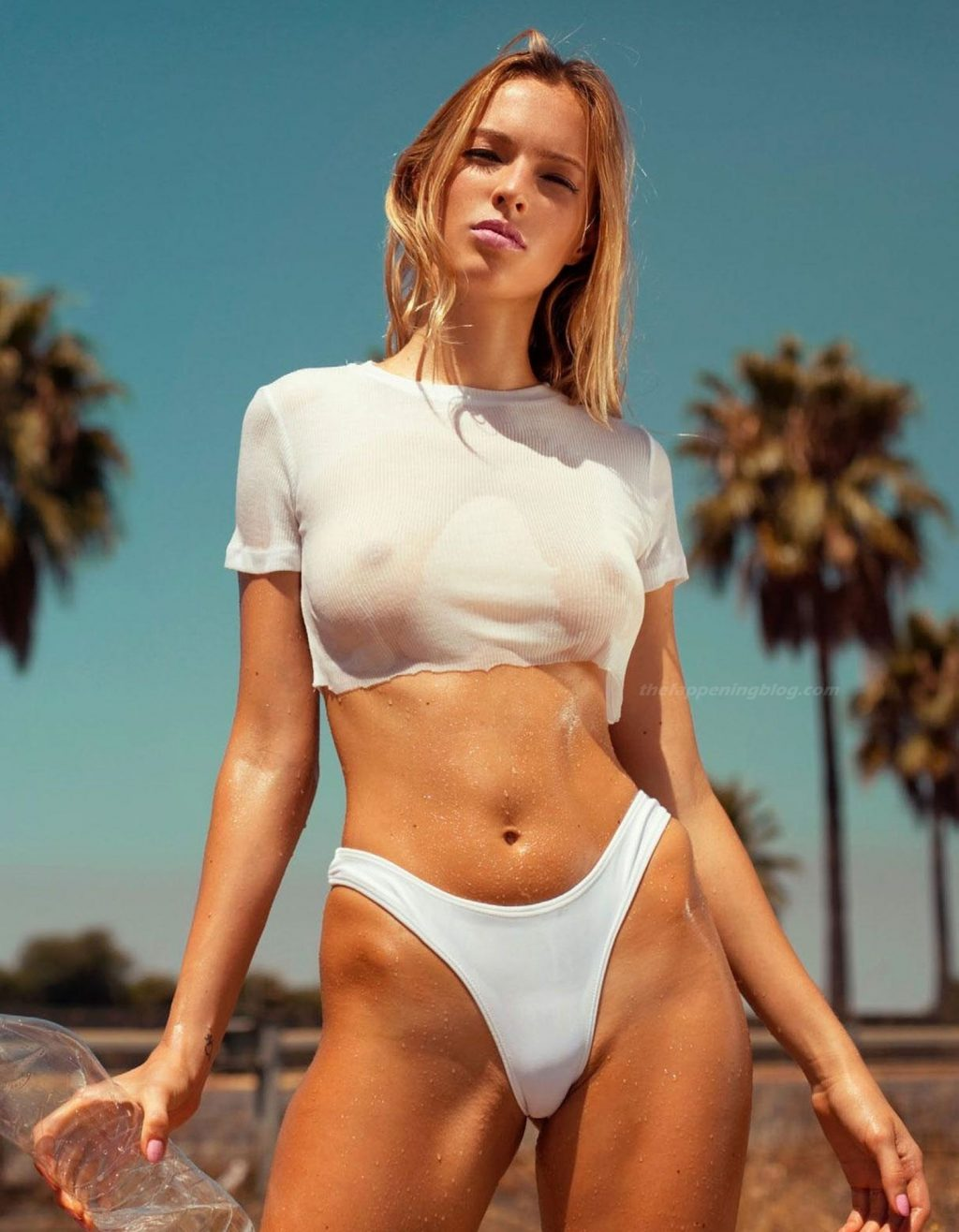 Hellyda Cavallaro Sexy