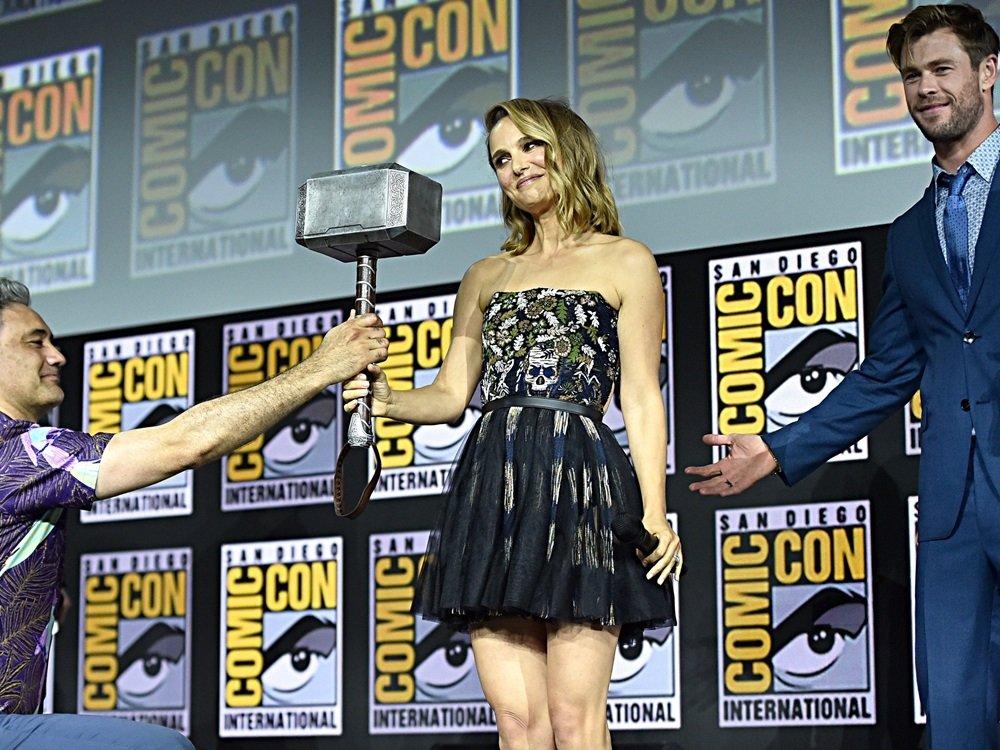 Natalie Portman Sends Nude Dildo Sucking Video To Her Husband