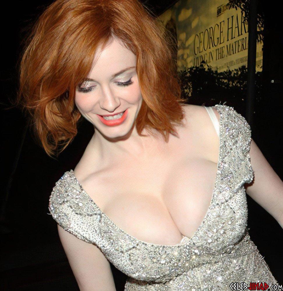 Christina Hendricks Jiggles Her Nude Tits On Webcam