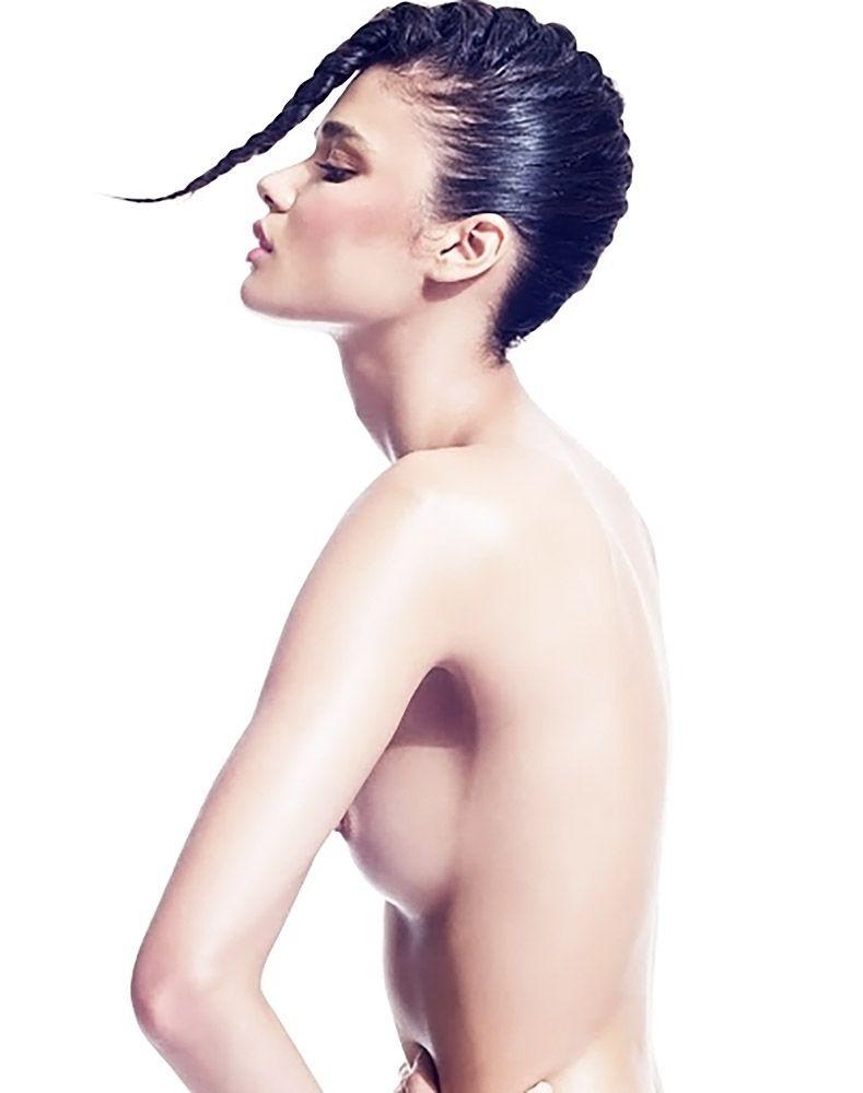 Daniela Braga Topless (5 Photos)