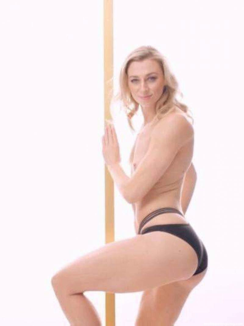 Lisa Ryzih Nude (5 Photos)